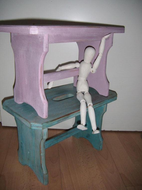 elf king Shabby Chic handmade by pimp-factory.de Green wooden chair with chalk paint design